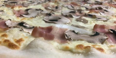 pizza carbonara de royal pizza mostoles