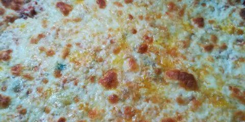 royal pizza mostoles cuatro quesos